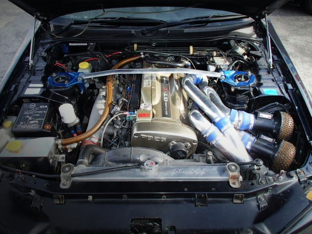 RB26DETT TWINTURBO ENGINE GOLD