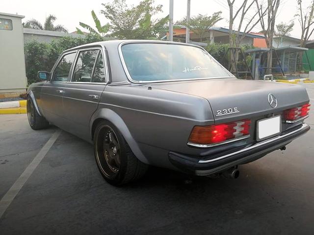 REAR EXTERIOR W123 BENZ 230E