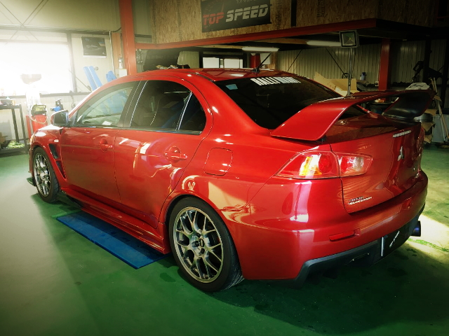 REAR EXTERIOR LANCER EVOLUTION 10 GSR RED