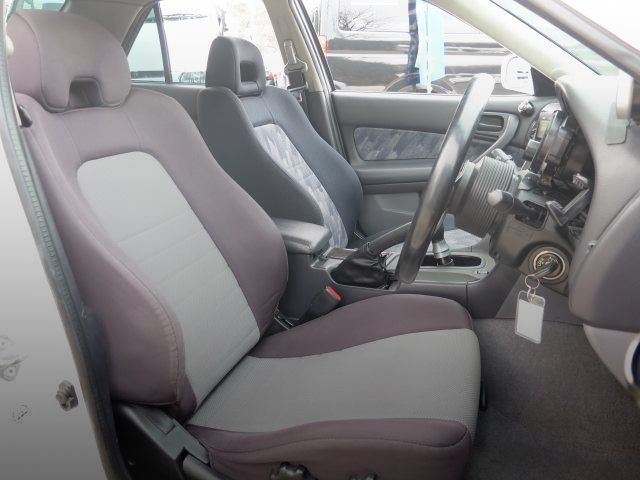 INTERIOR FRONT SEATS