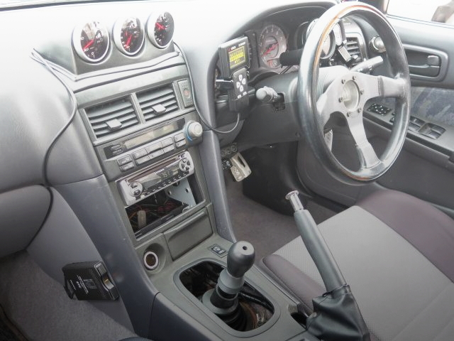 DASHBOARD OF R34 SKYLINE 4-DOOR