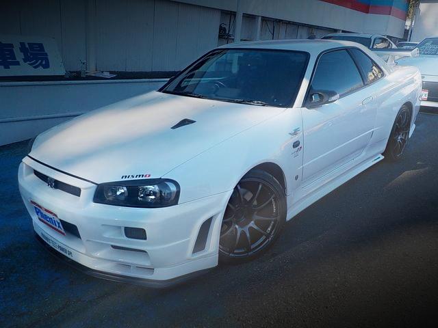 FRONT EXTERIOR R34 GT-R V-SPEC2 WHITE