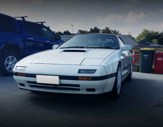 FRONT EXTERIOR FC3S RX-7 WHITE