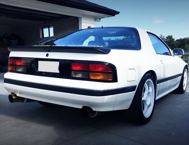 REAR EXTERIOR FC3S RX-7 WHITE