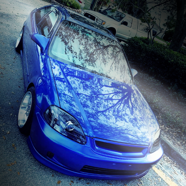 FRONT EXTERIOR EM 1CIVIC COUPE BLUE