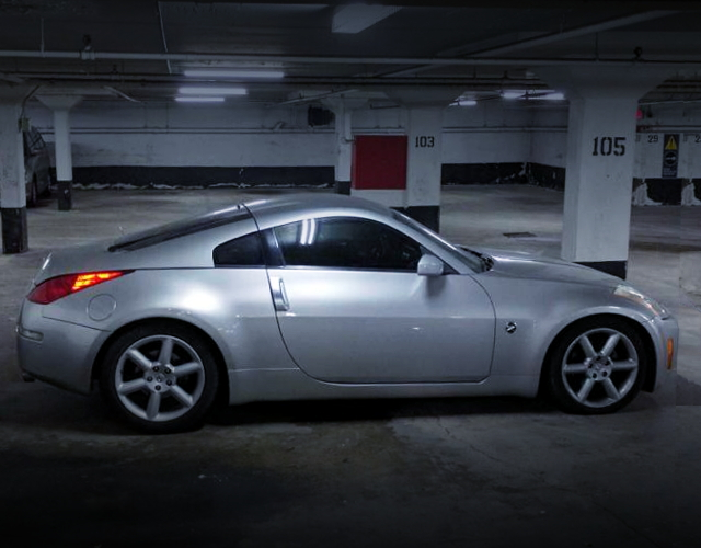 RIGHIT SIDE EXTERIOR Z33 350Z SILVER