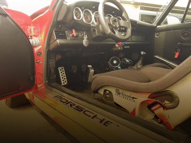 INTERIOR DASHBOARD FROM 964 PORSCHE 911