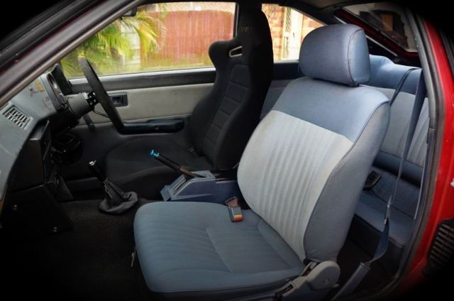FRONT SEAT AE86 LEVIN
