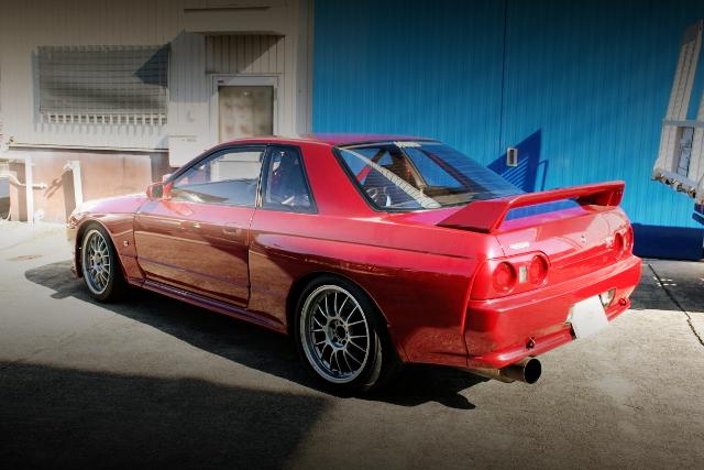REAR R32 GTR RED