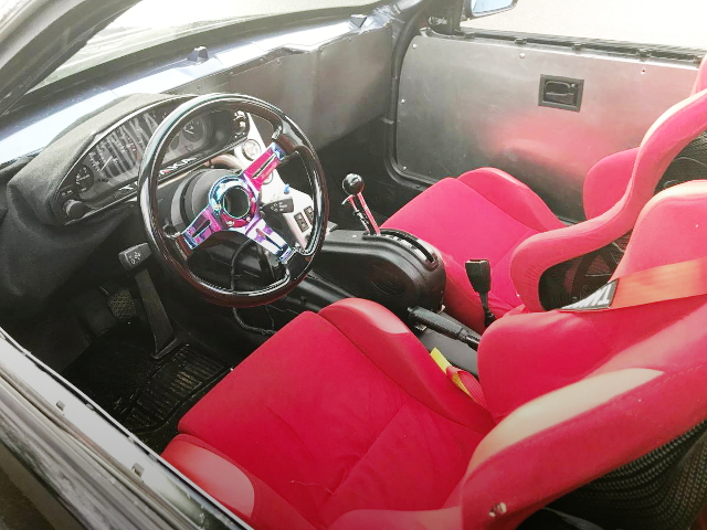 BUCKET SEATS INTERIOR