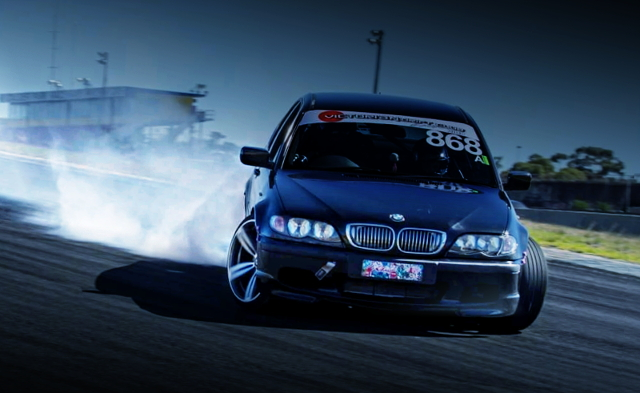 DRIFTING E46 BMW 3-SERIES