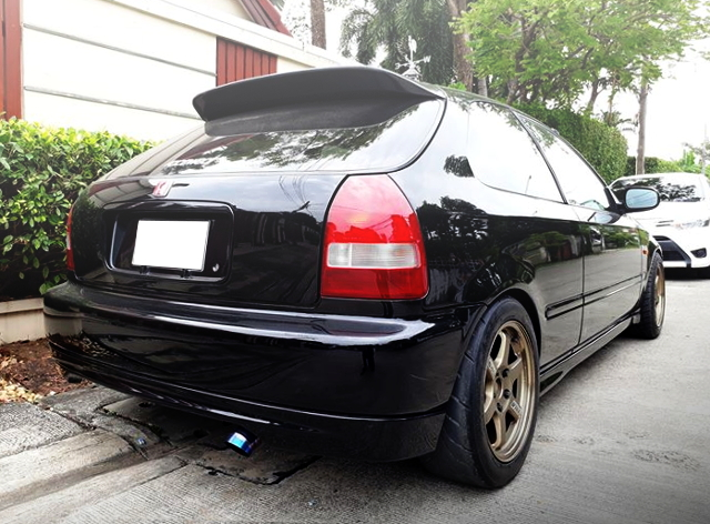REAR EXTERIOR EK CIVIC HATCH BLACK