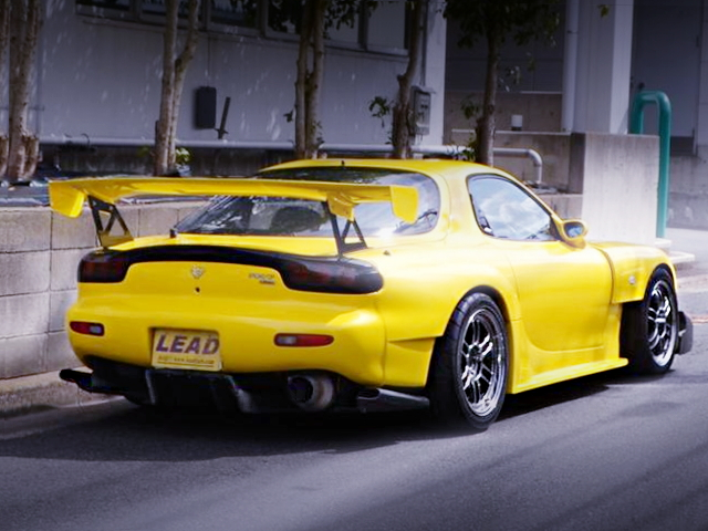 REAR EXTERIOR FD3S RX-7 YELLOW