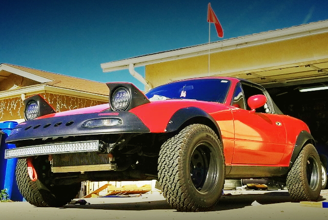 FRONT EXTERIOR LIFTED MAZDA MIATA FIRST GEN