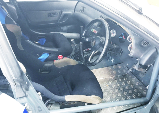 INTERIOR ROLLBAR AND BUCKET SEAT