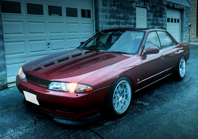 FRONT FACE R32 SKYLINE 4-DOOR RED