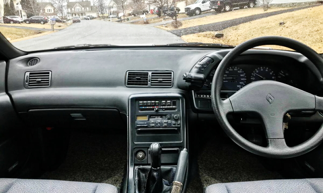 INTERIOR R32 SKYLINE 4-DOOR