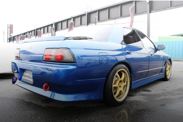 REAR EXTERIOR HCR32 SKYLINE 4-DOOR BLUE
