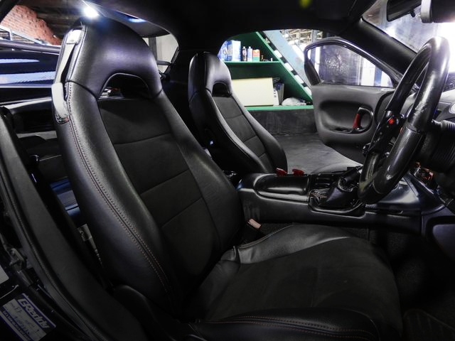 INTERIOR FRONT SEAT OF FD3S RX-7