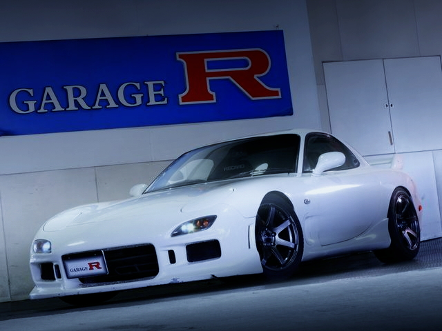 FRONT EXTERIOR FD3S RX-7 WHITE