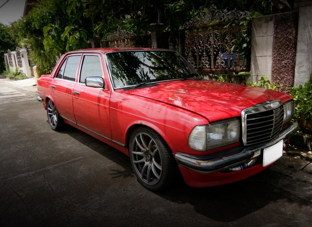 FRONT EXTERIOR W123 BENZ RED PAINT