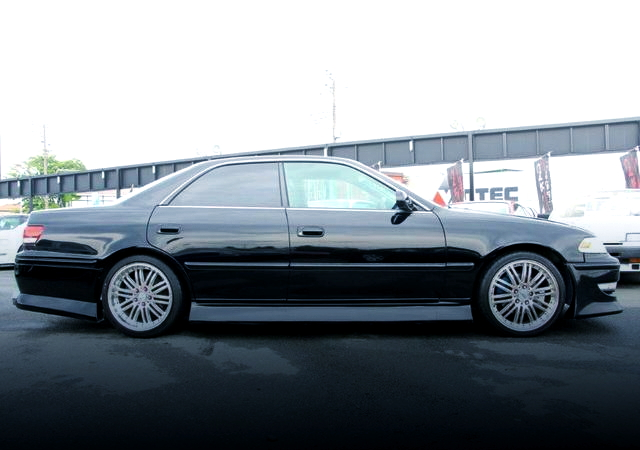 RIGHT SIDE EXTERIOR JZX100 MARK2