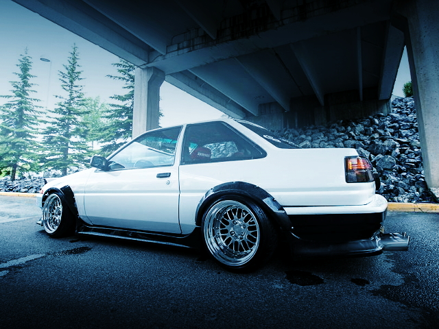 REAR SIDE EXTERIOR AE86 COROLLA GTS