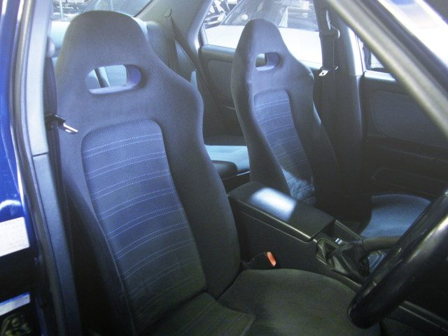INTERIOR ENR33 SKYLINE 4-DOOR
