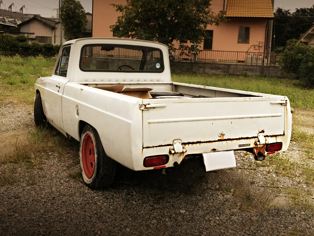 REAR EXTERIOR First Gen PROCEED PICUP TRUCK