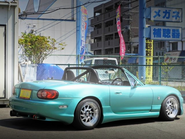 REAR EXTERIOR NB8C ROADSTER LIGHT GREEN