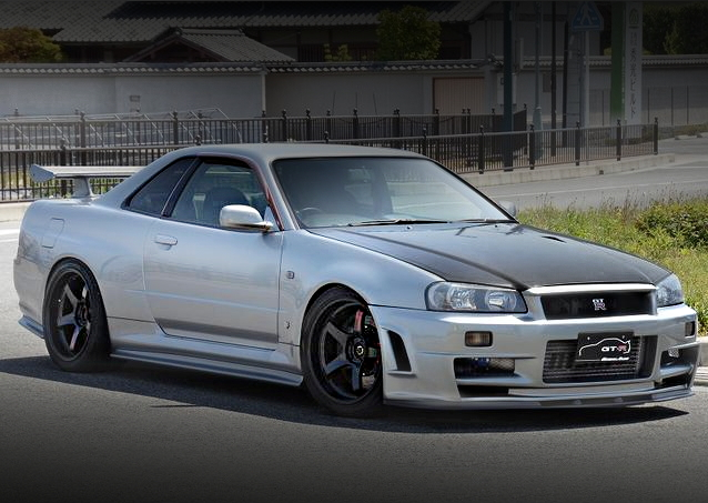 FRONT EXTERIOR R34 SKYLINE GT-R