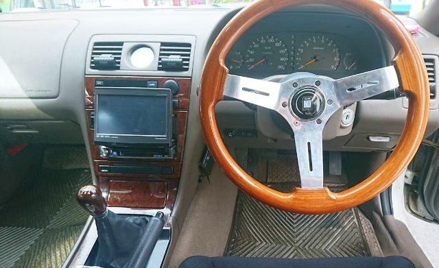 INTERIOR C34 LAUREL