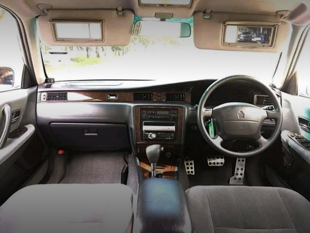 INTERIOR GS151 CROWN