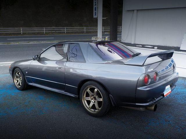 REAR EXTERIOR R32 GT-R GRAY COLOR