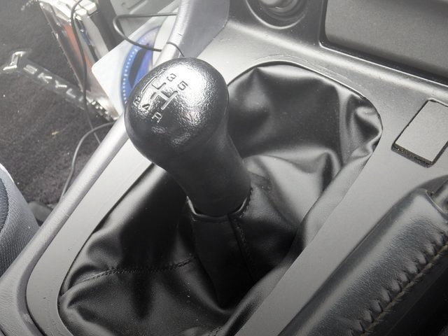 5-SPEED SHIFT KNOB R34 SKYLINE