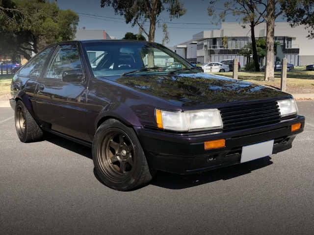 FRONT EXTERIOR AE86 WIDE FENDER