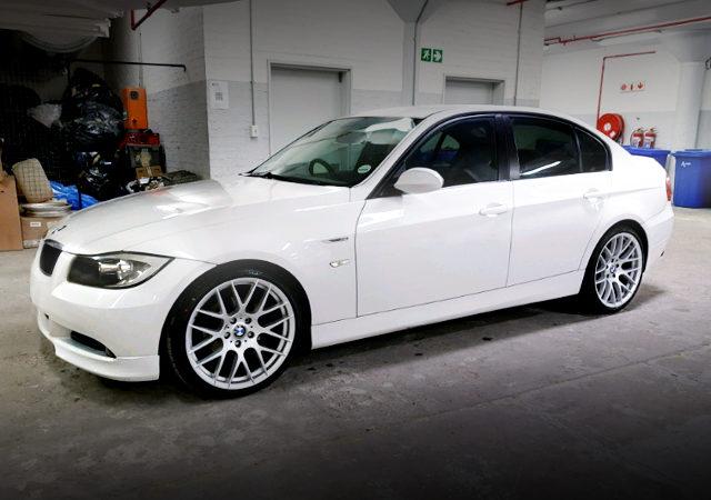 FRONT EXTERIOR E90 BMW SEDAN WHITE