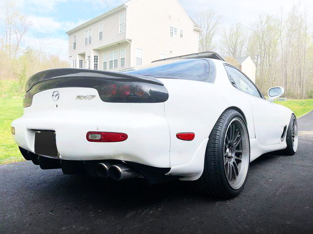 REAR EXTERIOR FD3S RX-7 WHITE