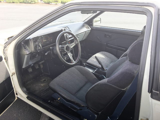 INTERIOR LEFT HAND DRIVE AE86
