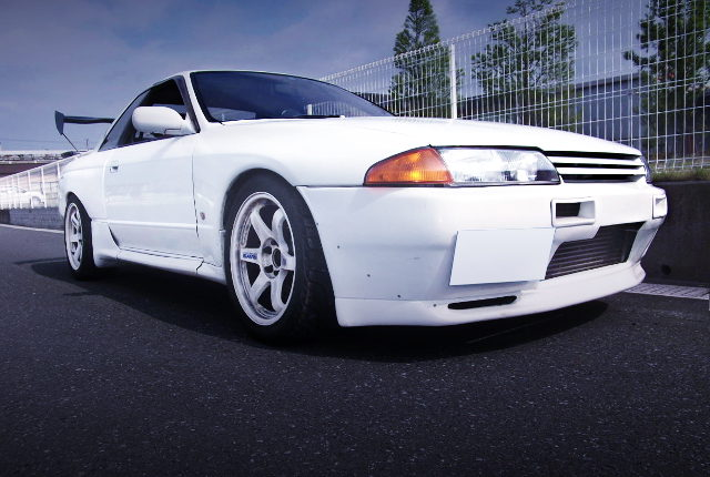 FRONT FACE R32 SKYLINE 2-DOOR