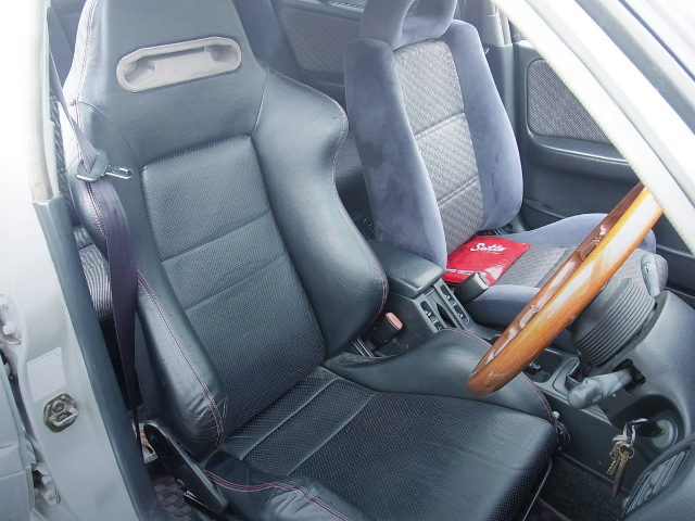 DRIVER SEMI BUCKET SEAT