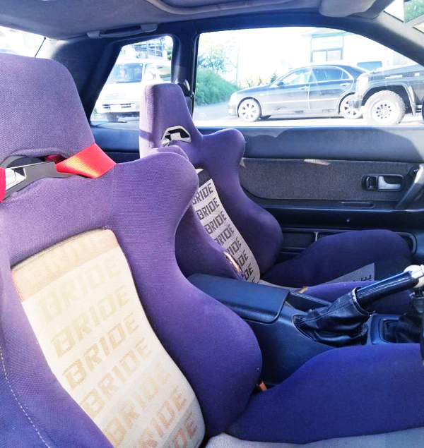 SEMI BUCKET SEATS