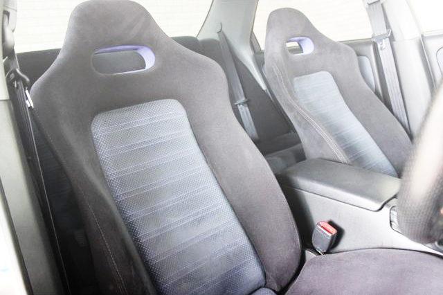 INTERIOR SEAT