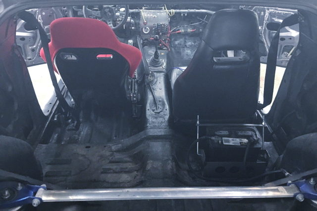 TWO SEATER INTERIOR