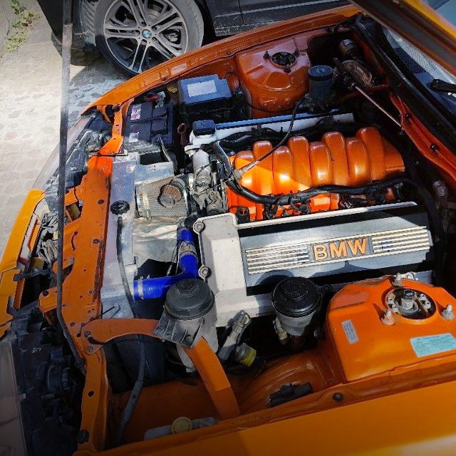 M60B40 4000cc V8 ENGINE