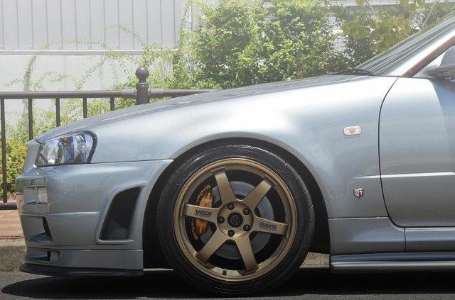 R34 GTR FRONT FENDER