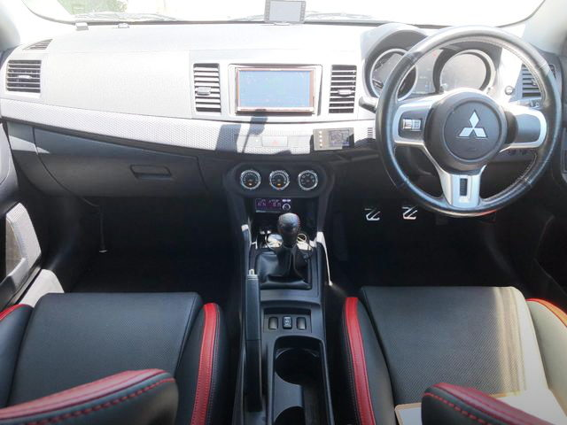 EVO10RS INTERIOR