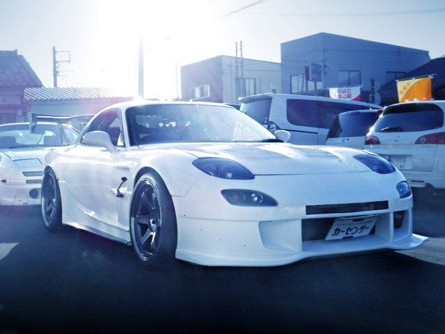 FRONT EXTERIOR WIDEBODY FD3S RX-7 WHITE