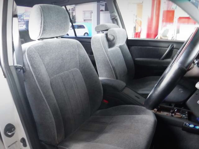 GXS12 CROWN SEDAN SEATS