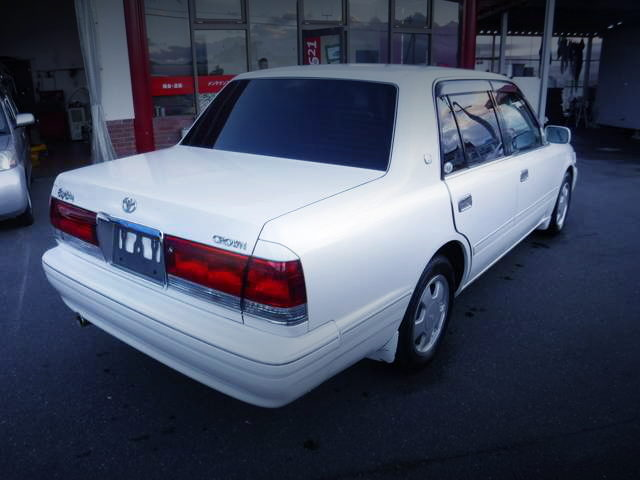 REAR EXTERIOR 6th Gen CROWN SEDAN
